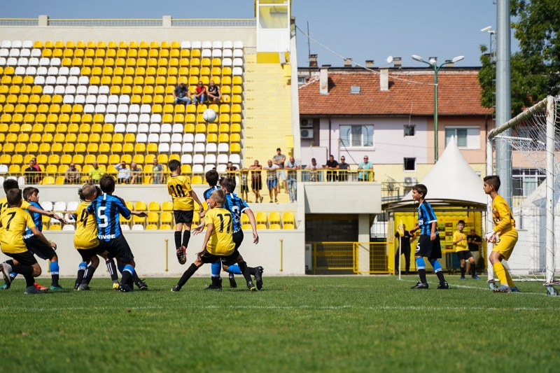 Ботев с равенство срещу Интер на детския турнир в Коматево