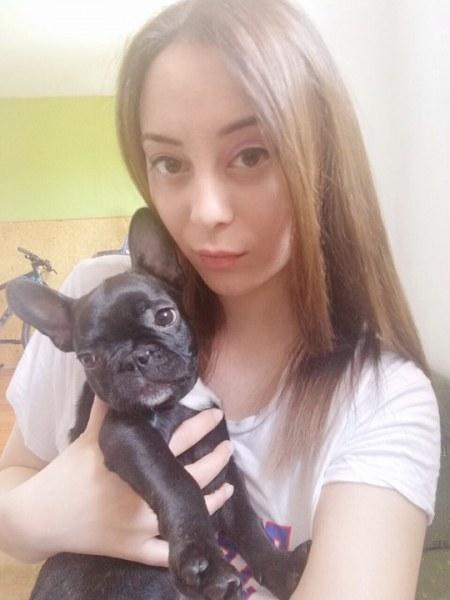 Бременната Весислава: Кучето ми изгоря живо в Бухово, останахме само с дрехите на гърба