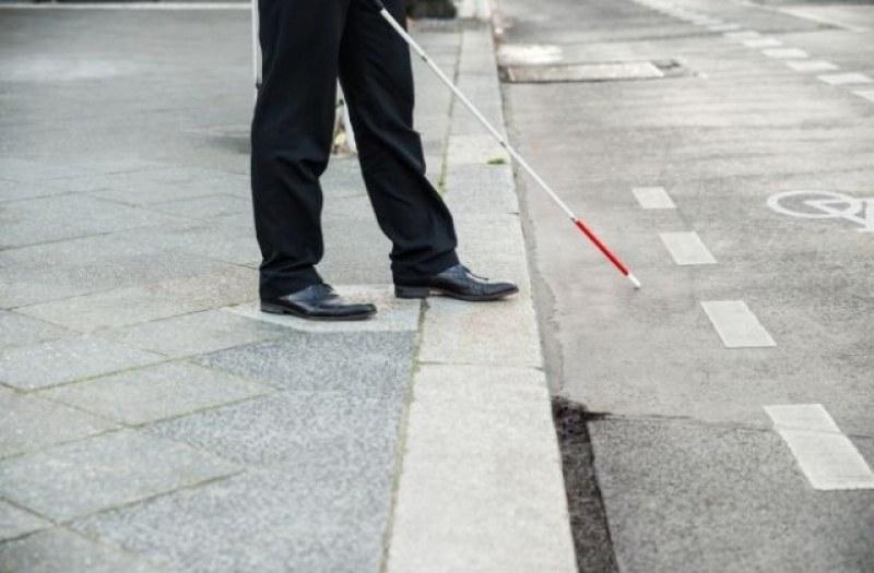 Сляп инженер измисли бастун, който навигира в градска среда с картите на