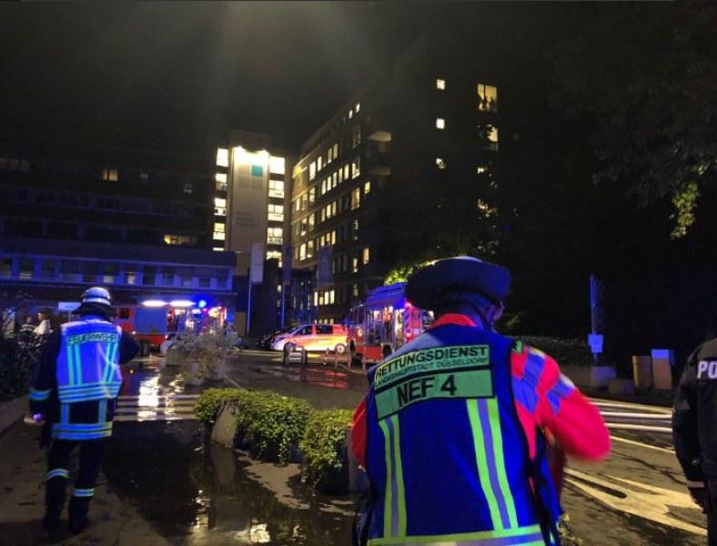 Пожар бушува в болница в Германия, има загинал и десетки ранени