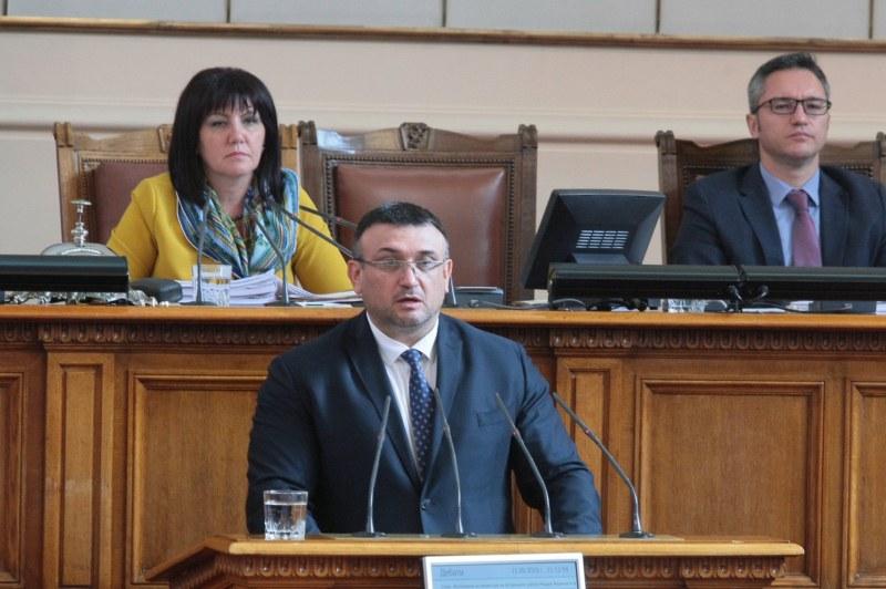 ДАНС: Николай Малинов е получавал в Москва задачи и пари за шпионажа