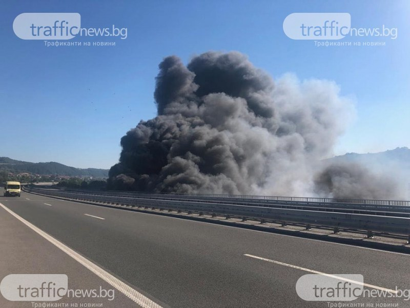 Ремарке на ТИР се запали на АМ Тракия край Пловдив