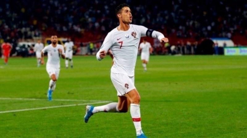 Роналдо изригна с 4 гола за гръмка победа на Португалия