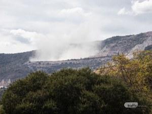 Мощен взрив разтресе Белащица! Облак прах се понесе над селото