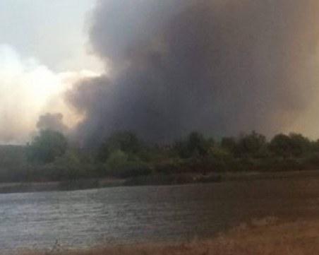 Голям пожар над Котел, 150 души гасят огъня