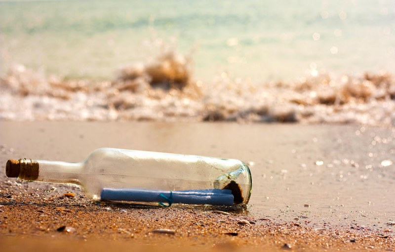 Бедстващо семейство се спаси с писмо в бутилка в САЩ