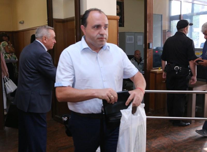 Съдът върна на поста кмета на Костенец, той отписа изборите
