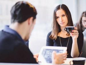 На първа среща: Какво мъжете мразят да бъдат питани?