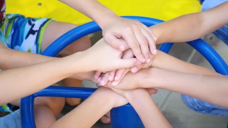 Добрият пример: Деца събраха над 1000 лева за лечението на болно другарче във Видин
