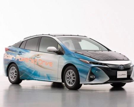 Toyota пуска електромобил със соларни панели