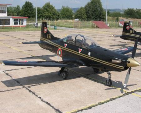 Каракачанов вади 3 млн. за тренировъчни самолети вместо