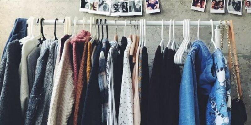 Как да изчистим гардероба от старите си дрехи без стрес?