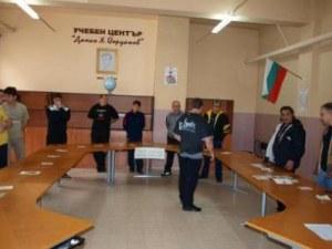 191 първолаци в софийския затвор, 60 жени с присъди сядат зад чиновете в Сливен