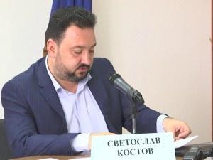 Шефът на БНР бие по заплата президент и премиер
