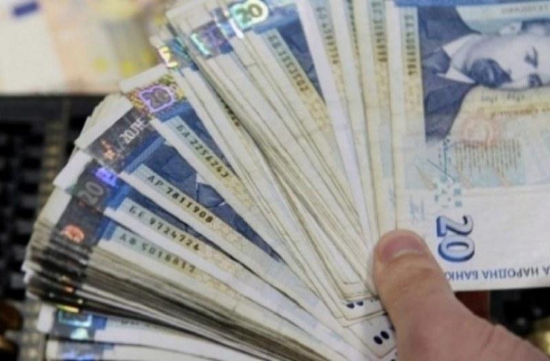 Банки плашат с ЧСИ за една просрочена вноска, какво не могат да ни вземат