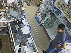 Апаши откраднаха телефон от железарски магазин в София