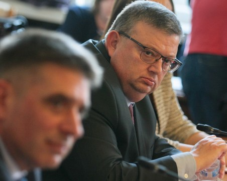 Ще падне ли бързият съд за убийци? Цацаров и министър Кирилов в разнобой