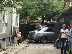 Взривиха кола на съдебен изпълнител в Стара Загора