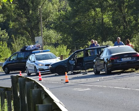 Две катастрофи затрудняват движението край Благоевград, има пострадала жена