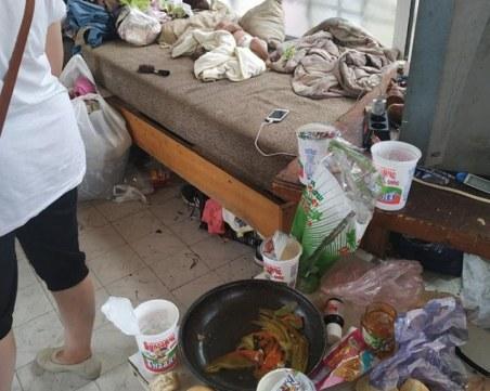 Кой е прав? Социалните взеха 3 деца от семейството им заради мръсотия