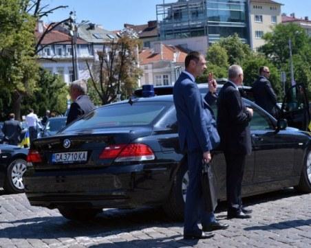 Президентът назначи бодигард на царя и Станишев за шеф на НСО