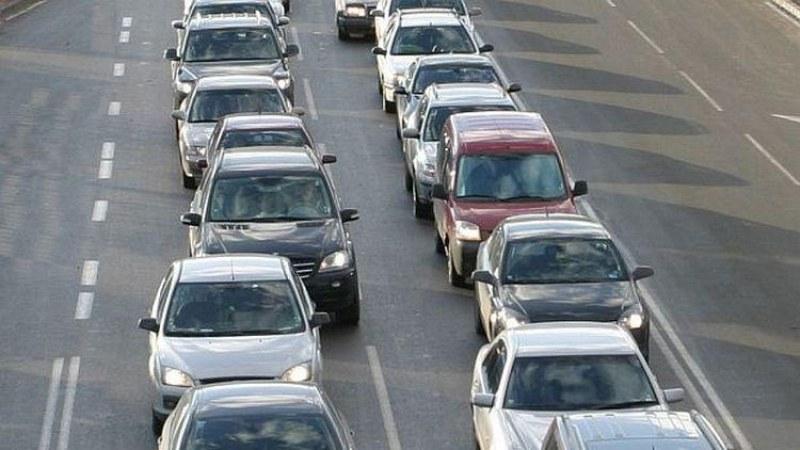 Засилен трафик от сутринта и опашки на границата, КАТ дебне на всеки километър