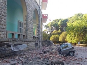 След силния трус в Албания: 68 ранени, десетки домове със сериозни щети