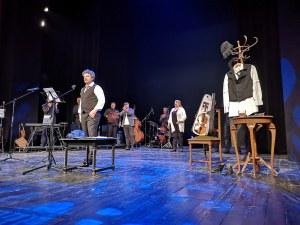 Тодор Колев спасил Цветана Манева от задушаване на спектакъл в Пловдив