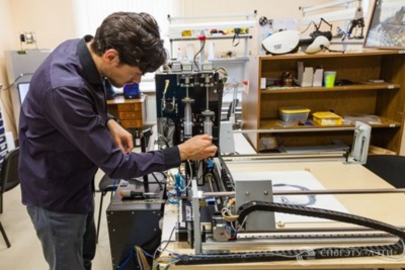 Заменят художниците с роботи на изложение в Пловдив