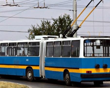 Пълен абсурд! Откраднаха 250 метра от тролейбусната мрежа в Русе