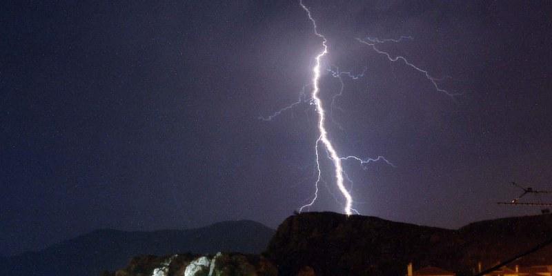 Българин загина от мълния на сметище в Гърция