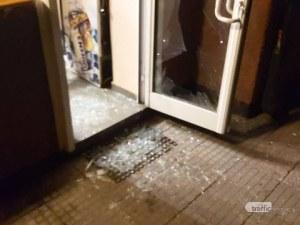 Пиян вилня в пловдивско заведение! Строши стъклена врата, наби служител и налетя на гард