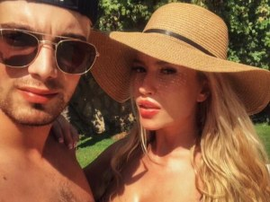Тита и половинката й Викторио се радват на романтична ваканция