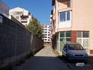 Строеж, наченат от бившия затворник Джими Орфея, затри цяла улица в Пловдив