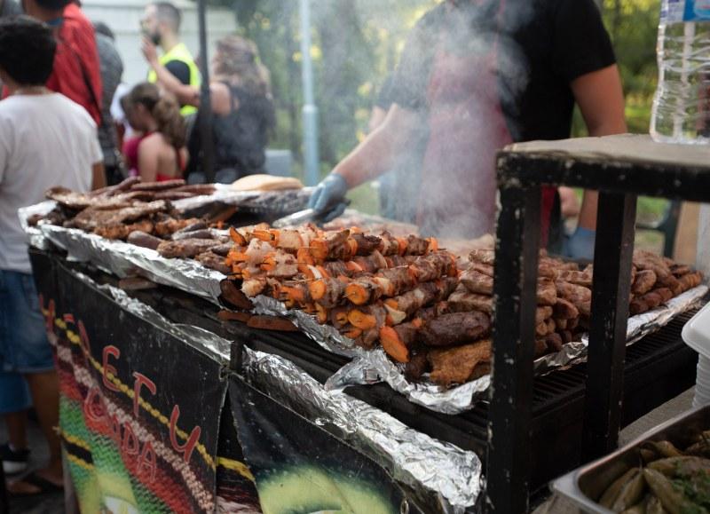 Пловдивски ресторантьори: Фестивалите за ядене и пиене съсипват бизнеса ни с подкрепата на общината