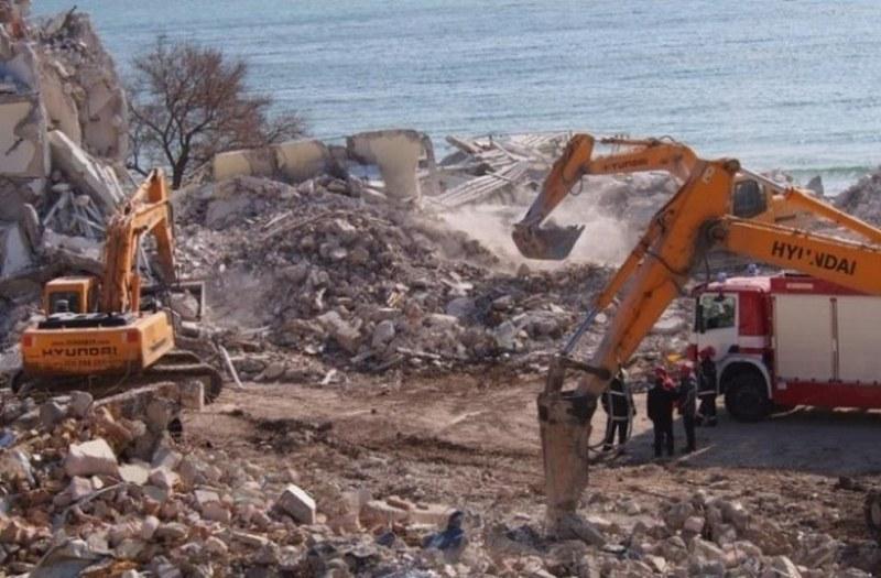 """Осъдиха още 4-ма за рухналия хотел """"Вероника"""