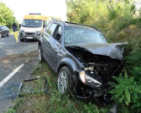 Тежка катастрофа! Две коли се удариха на пътя София – Самоков, двама са в болница