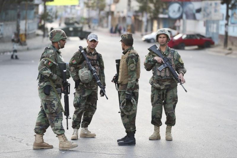 Атентат окървави изборите в Афганистан