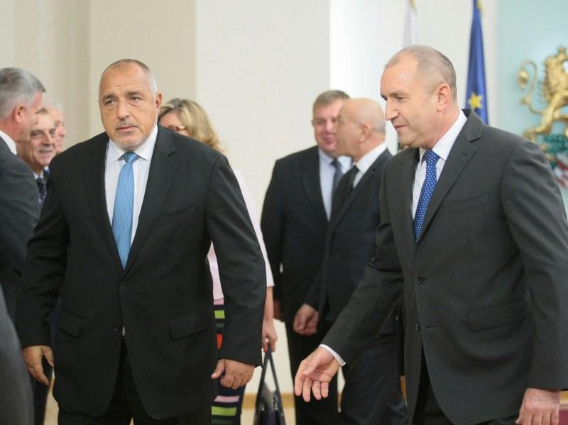 Президентът Радев свика среща за Македония с премиера и министри