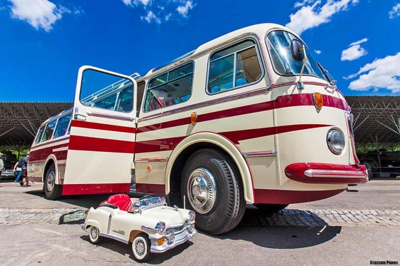 Мирис на скара и... гориво! I-ви събор на Ретро автобуси организират в пловдивско село
