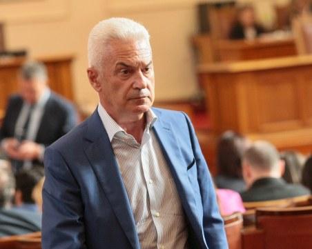 Сидеров ще съди Кошлуков, че БНТ хлопна портите пред него