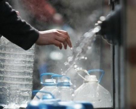 Опашки пред чешмите в Свищов, авария остави жителите без вода три дни