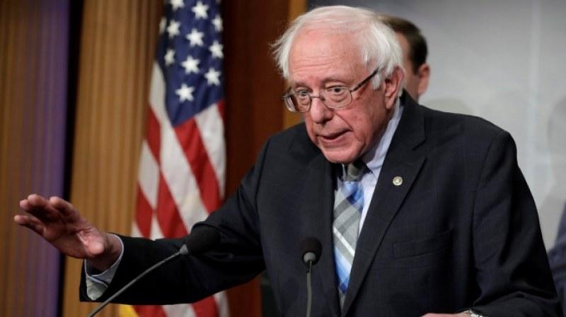 Бърни Сандърс влезе в болница, слага край на президентската си кампания