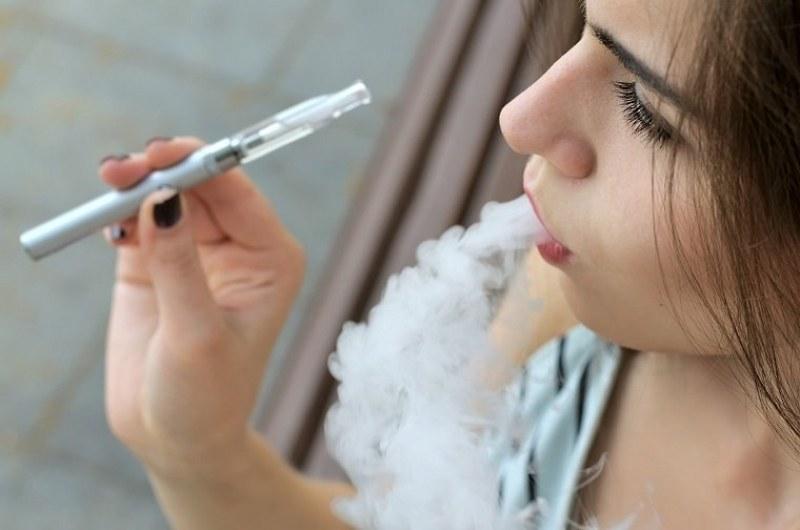 18 души са починали в САЩ заради електронна цигара
