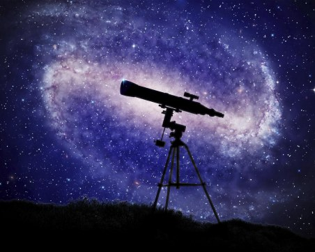 Наблюдаваме Сатурн, Луната и Слънцето с телескопи в Световния ден на астрономията