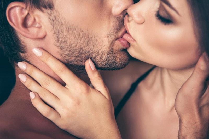 5 знака, че половинката ви не харесва целувките