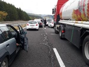 Тапа на АМ Тракия заради самозапалил се автомобил