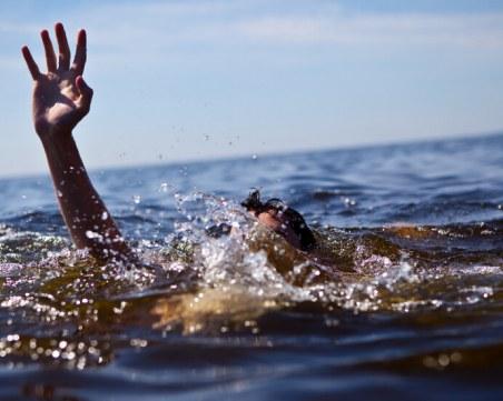 Мъж спаси от удавяне 17-годишно момиче в Бургас