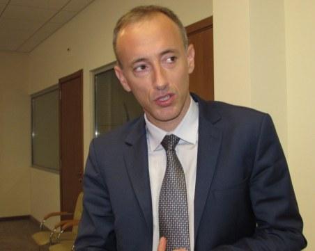Министър Вълчев: Търсим кой пусна слуха, че се отнемат деца от училищата
