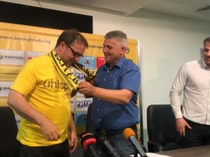 И Йотков подал оставка в Ботев, не е приета